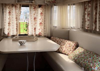 Servicio caravana vintage